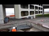 Кронштадт, дамба. Северный фарватер, водопропускное сооружение С-2. Вес затворов 30 и 17 тонн.