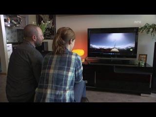 Метеорит пролетел около норвежского парашютиста Андерса Хелструпа, совершавшего прыжок с вертолета.